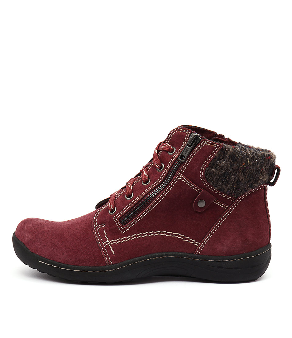 Planet Tannin Scarlet Ankle Boots