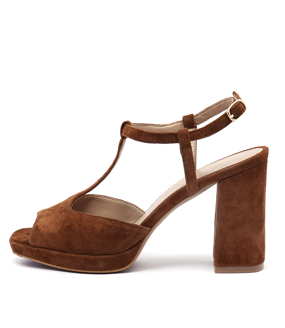 Rmk Beth Rm Cognac Dress Heeled Sandals
