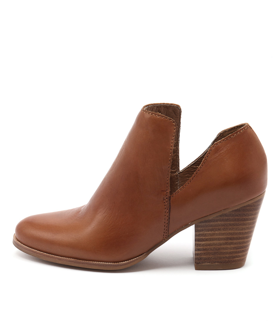 Rmk Whimsical Rm Cognac Casual Ankle Boots
