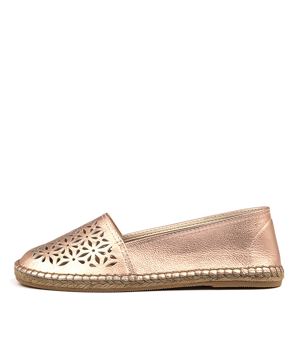 Sofia Cruz Dama Sc Rosa (Rose Gold) Flat Shoes