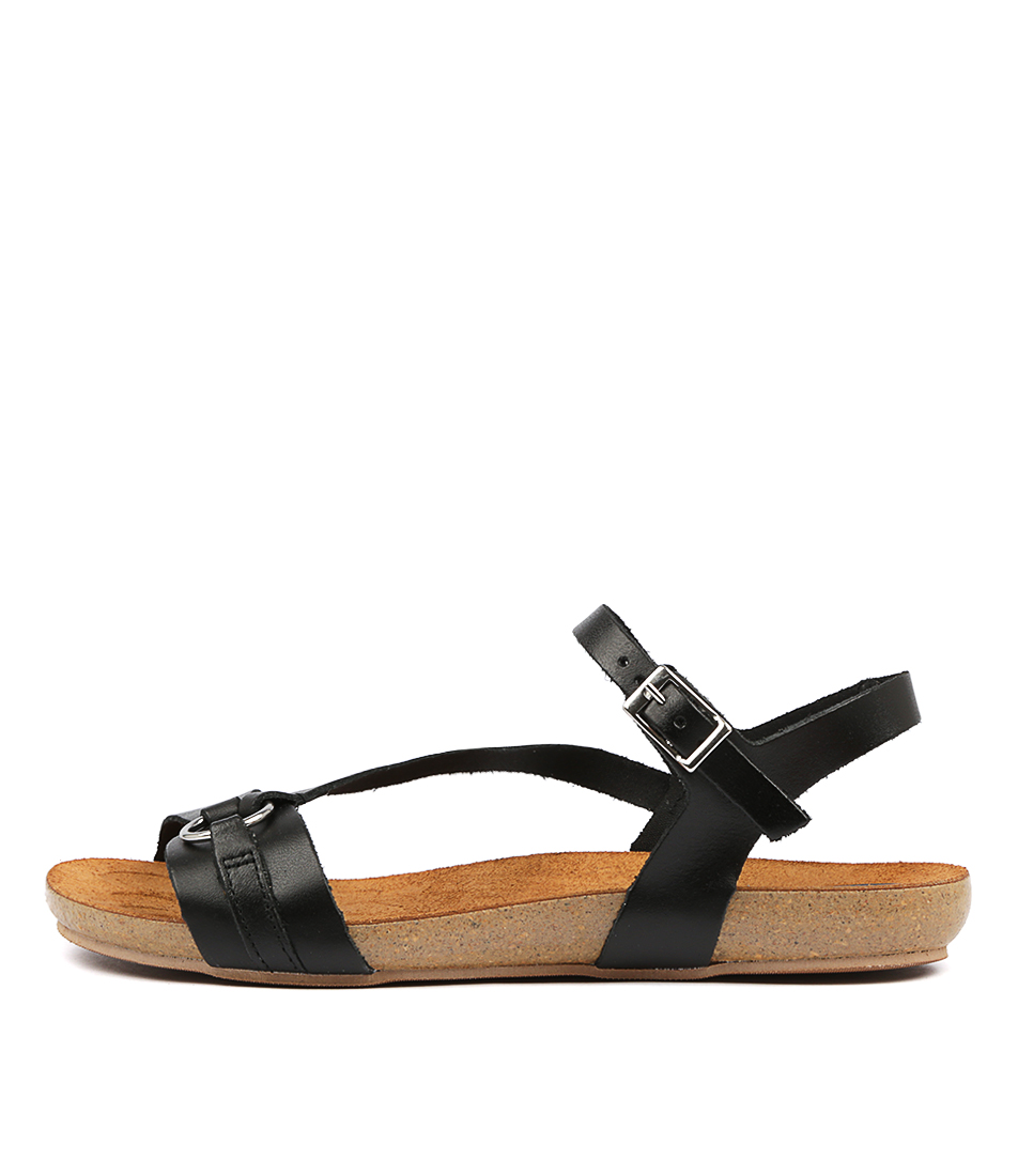 Buy Sofia Cruz Yianna Negro Flat Sandals online with free shipping
