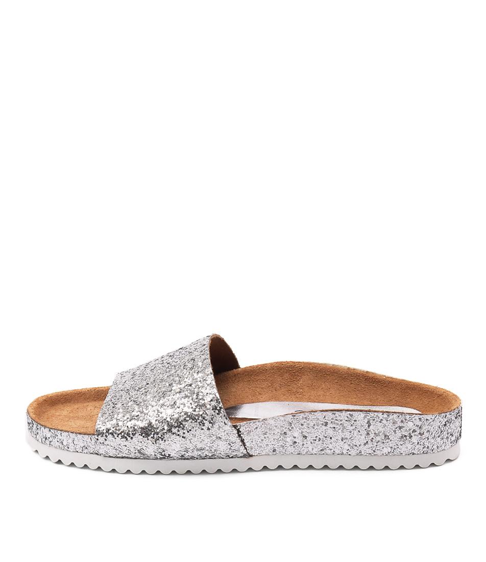 Sofia Cruz Yahtzina Glitter Plata Casual Flat Sandals