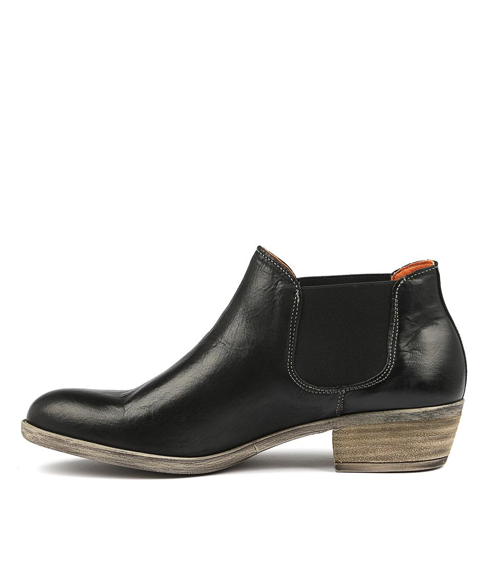 Sofia Cruz Jiminy Black Ankle Boots
