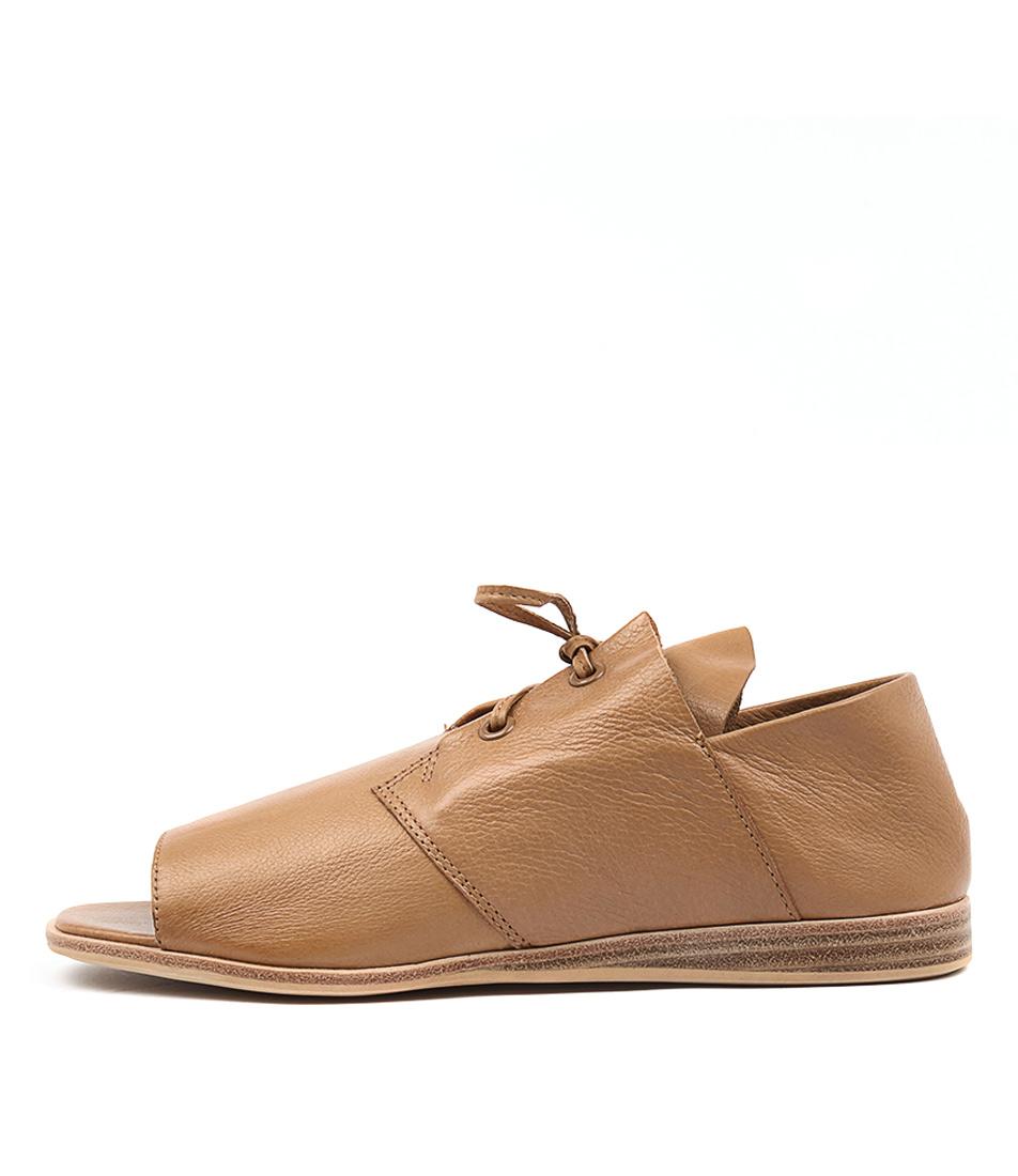Silent D Giga Dk Tan Sandals