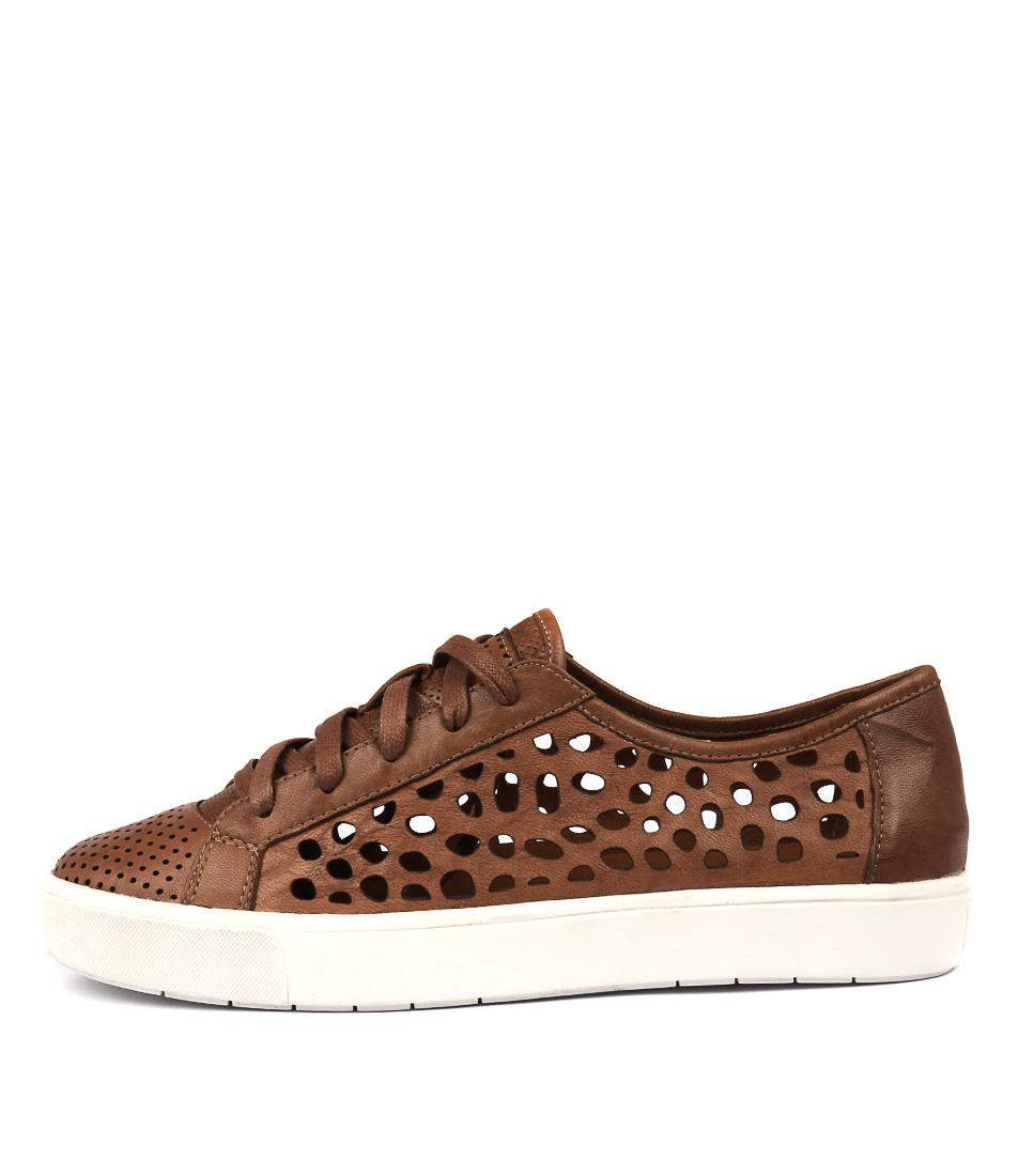 Silent D Vitro Tan Sneakers