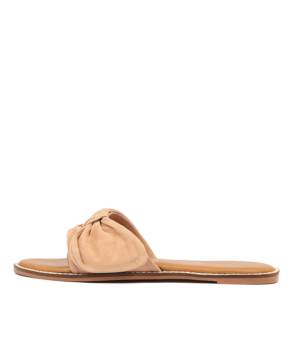 Buy Siren Tremont Si Blush Flat Sandals online with free shipping