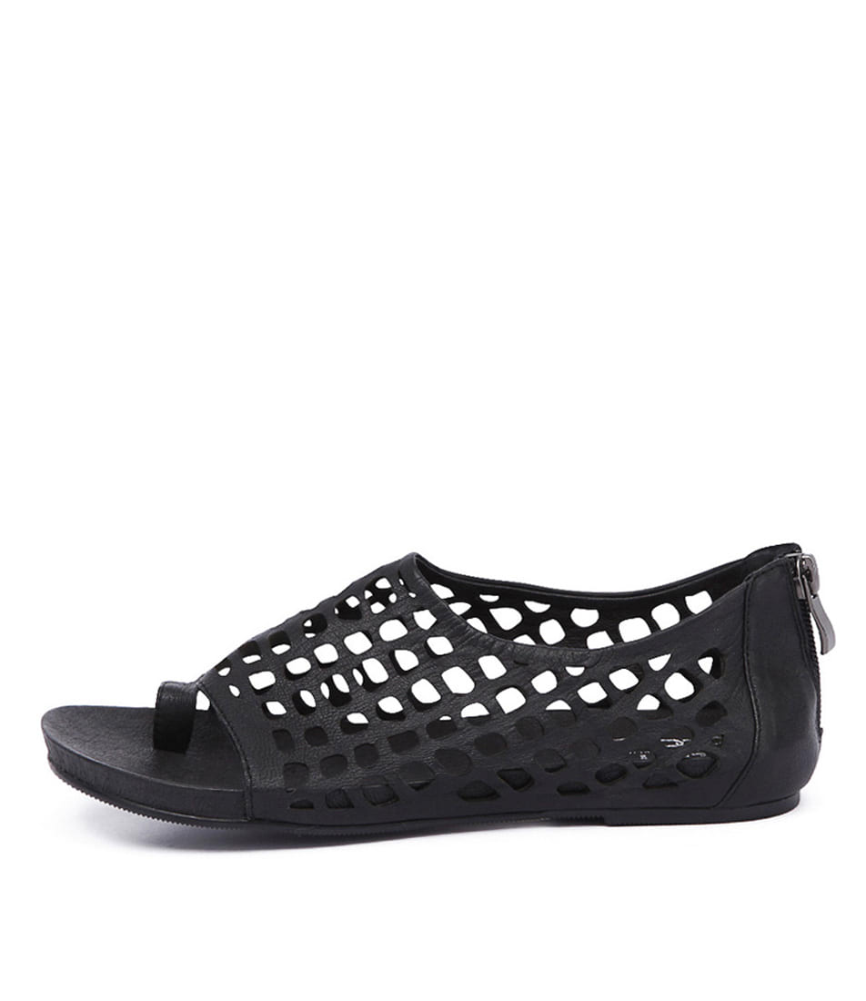 Silent D Dryas Black Casual Flat Sandals