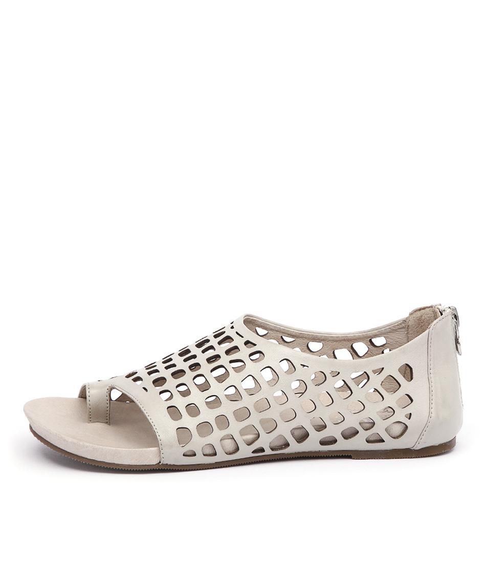 Silent D Dryas Beige Sandals