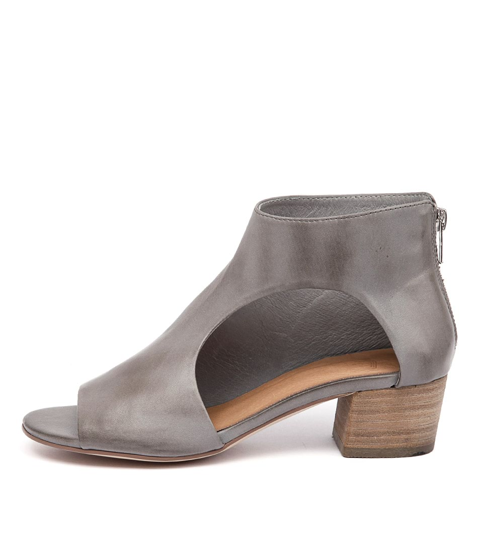Silent D Exia Grey Casual Heeled Sandals