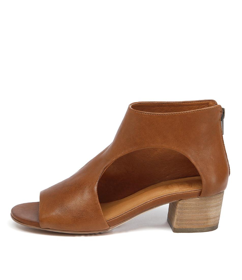 Silent D Exia Dark Tan Casual Heeled Sandals