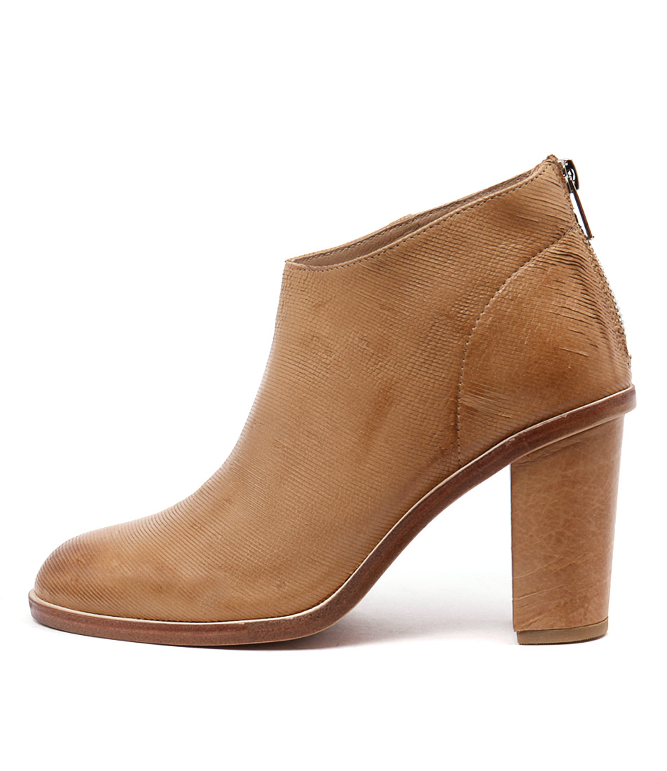 Silent D Digby Tan Ankle Boots