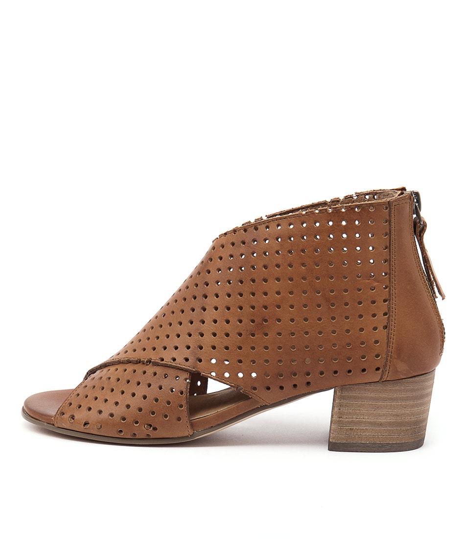 Silent D Endure Tan Ankle Boots