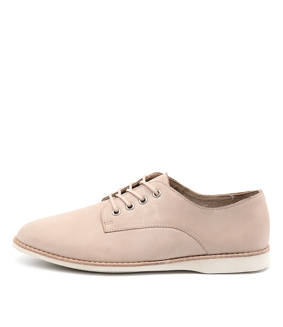 Silent D Needle Beige Casual Flat Shoes