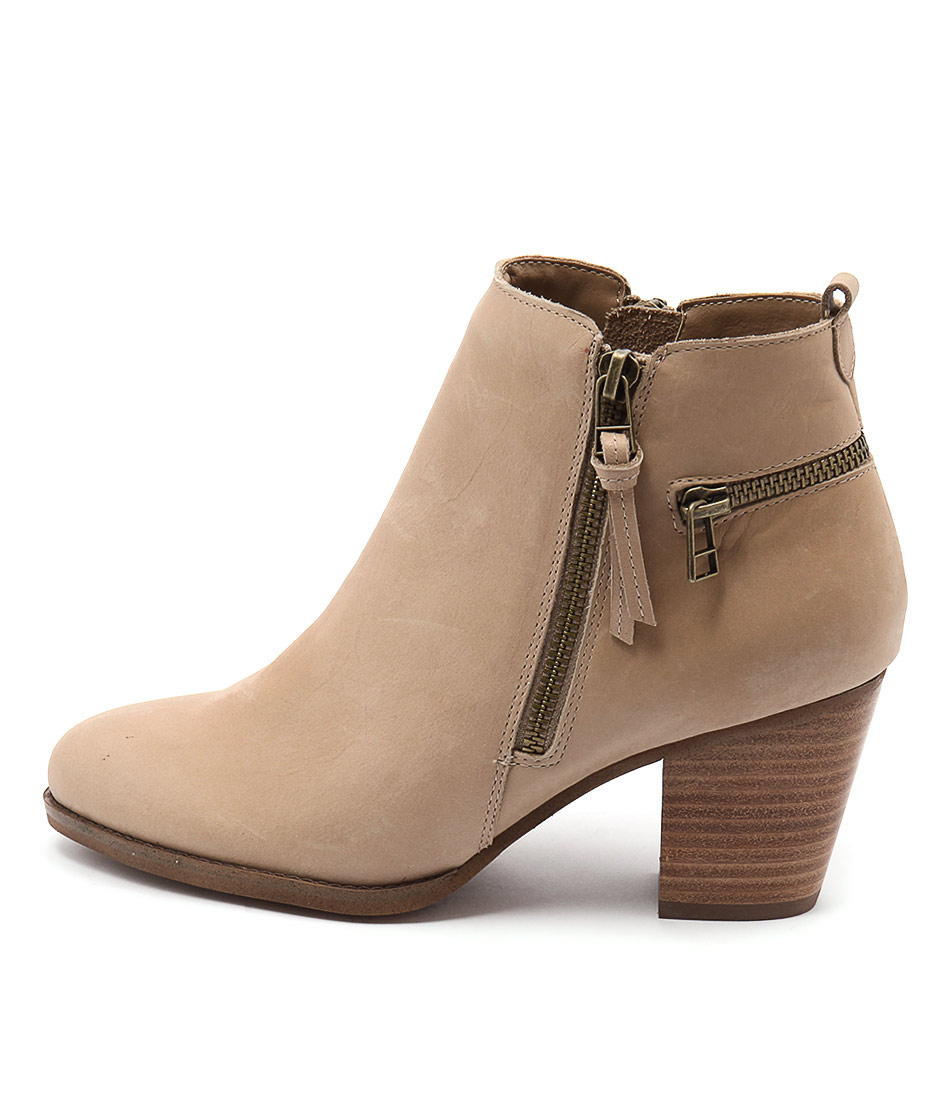 Siren Megan Si Camel Ankle Boots
