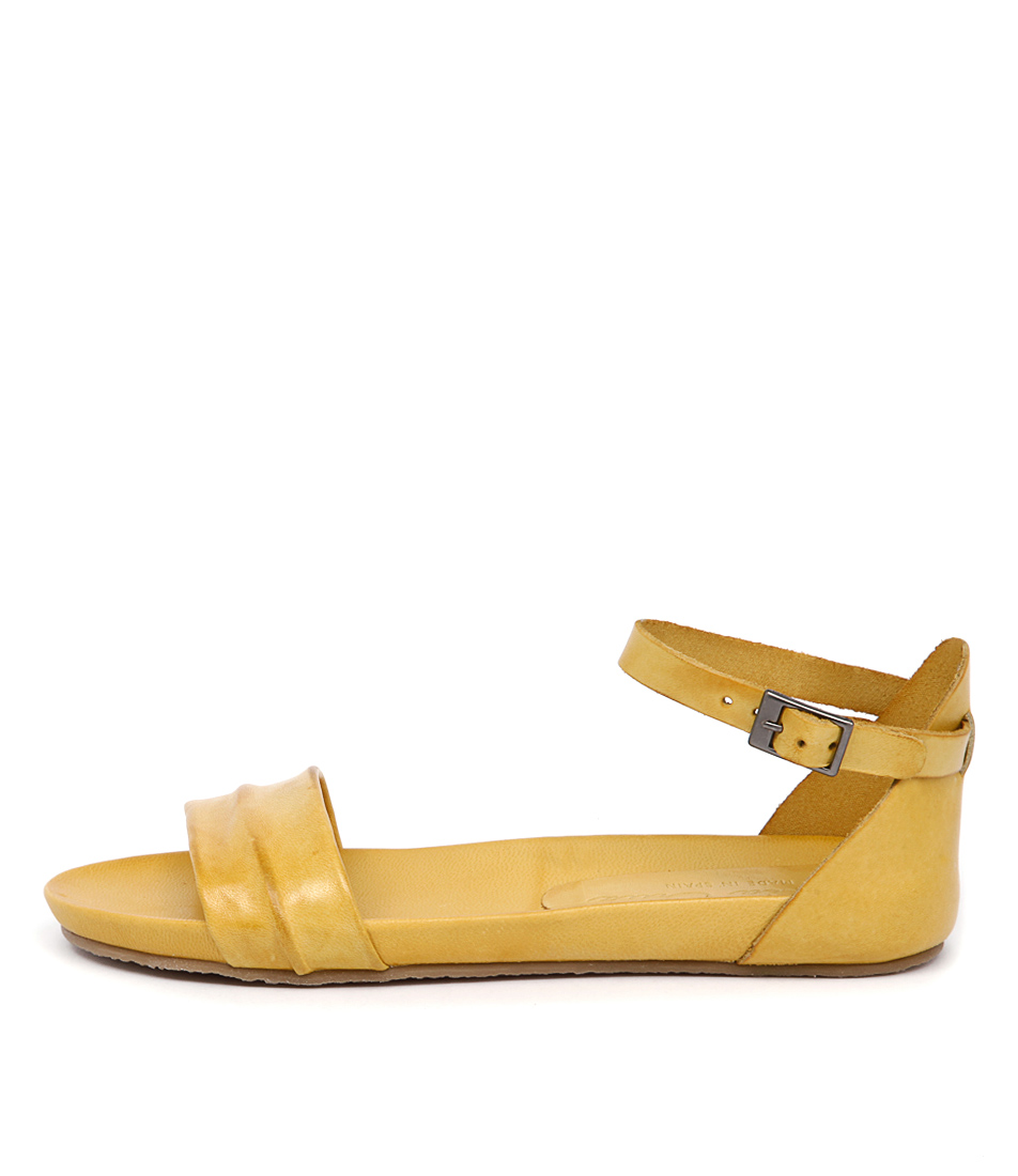Sofia Cruz Ibiza 15 723 Amarillo (Yellow) Casual Flat Sandals