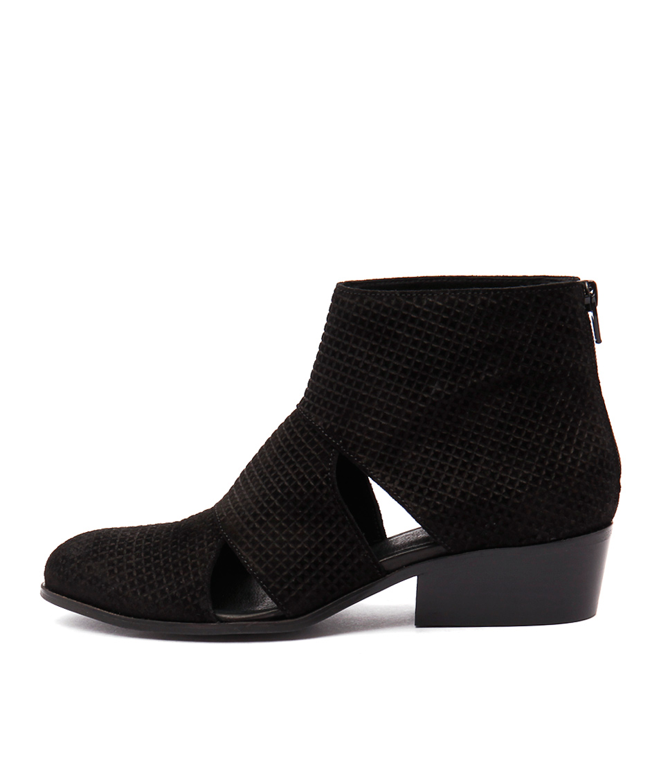 Buy Sofia Cruz Tinker Sc Black Ankle Boots online with free shipping