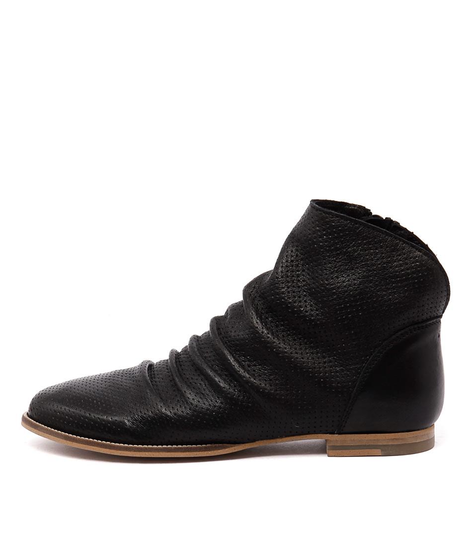 Sofia Cruz Oberon Black Ankle Boots