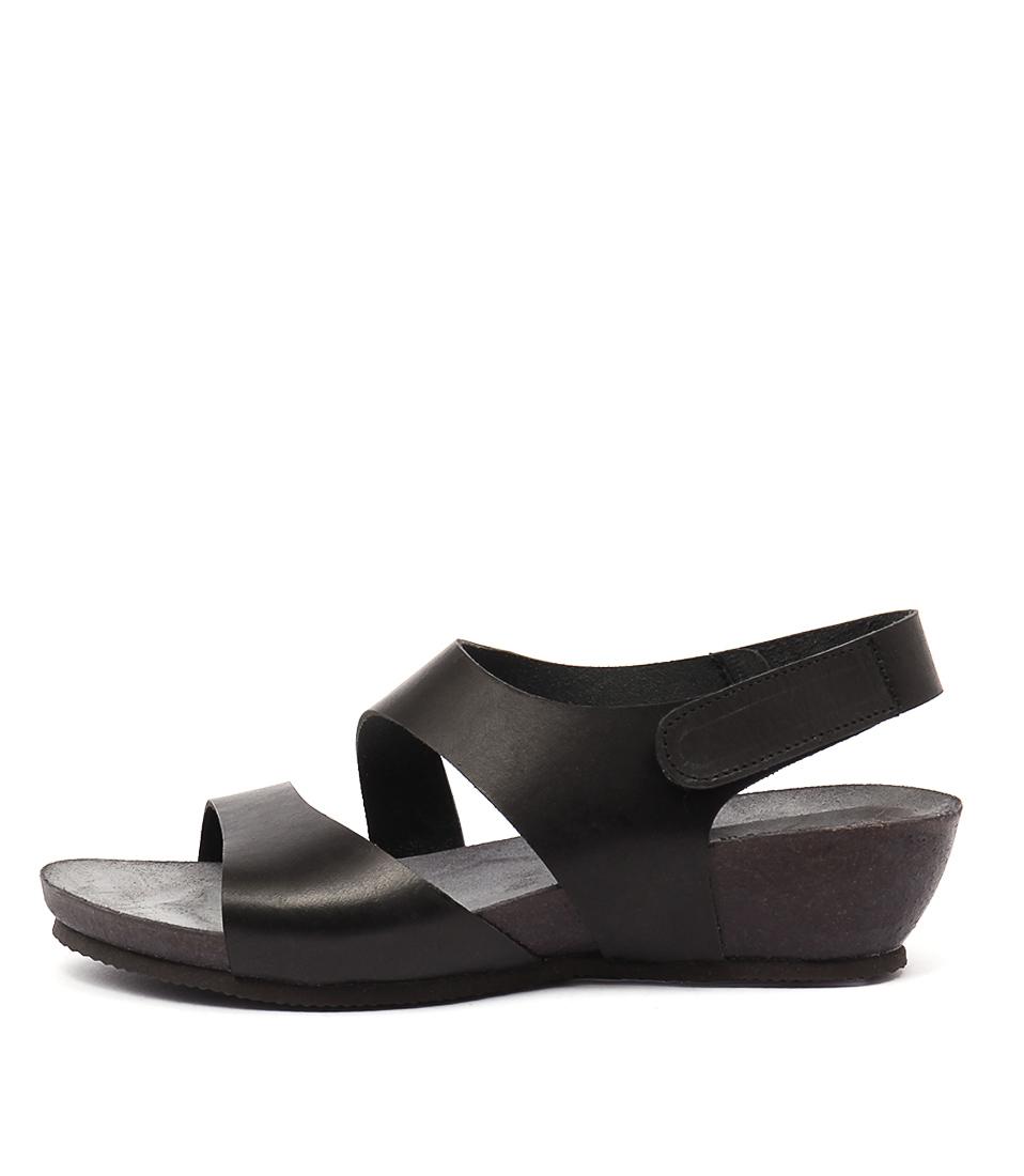 Sofia Cruz Millie Negro Casual Heeled Sandals