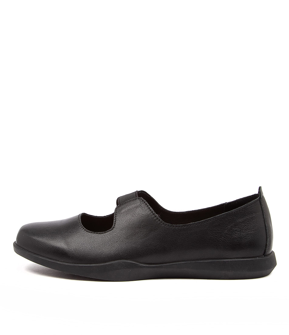 Buy Stegmann Rise St Black Flats online with free shipping