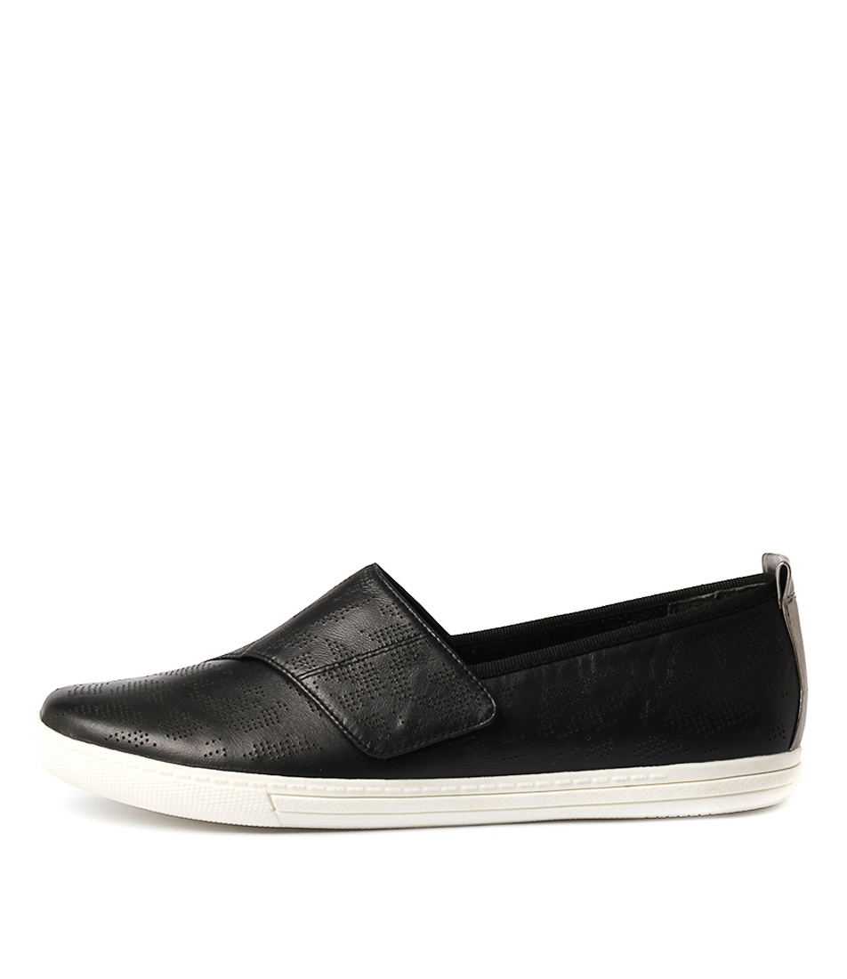 Supersoft Aiden Black Flat Shoes