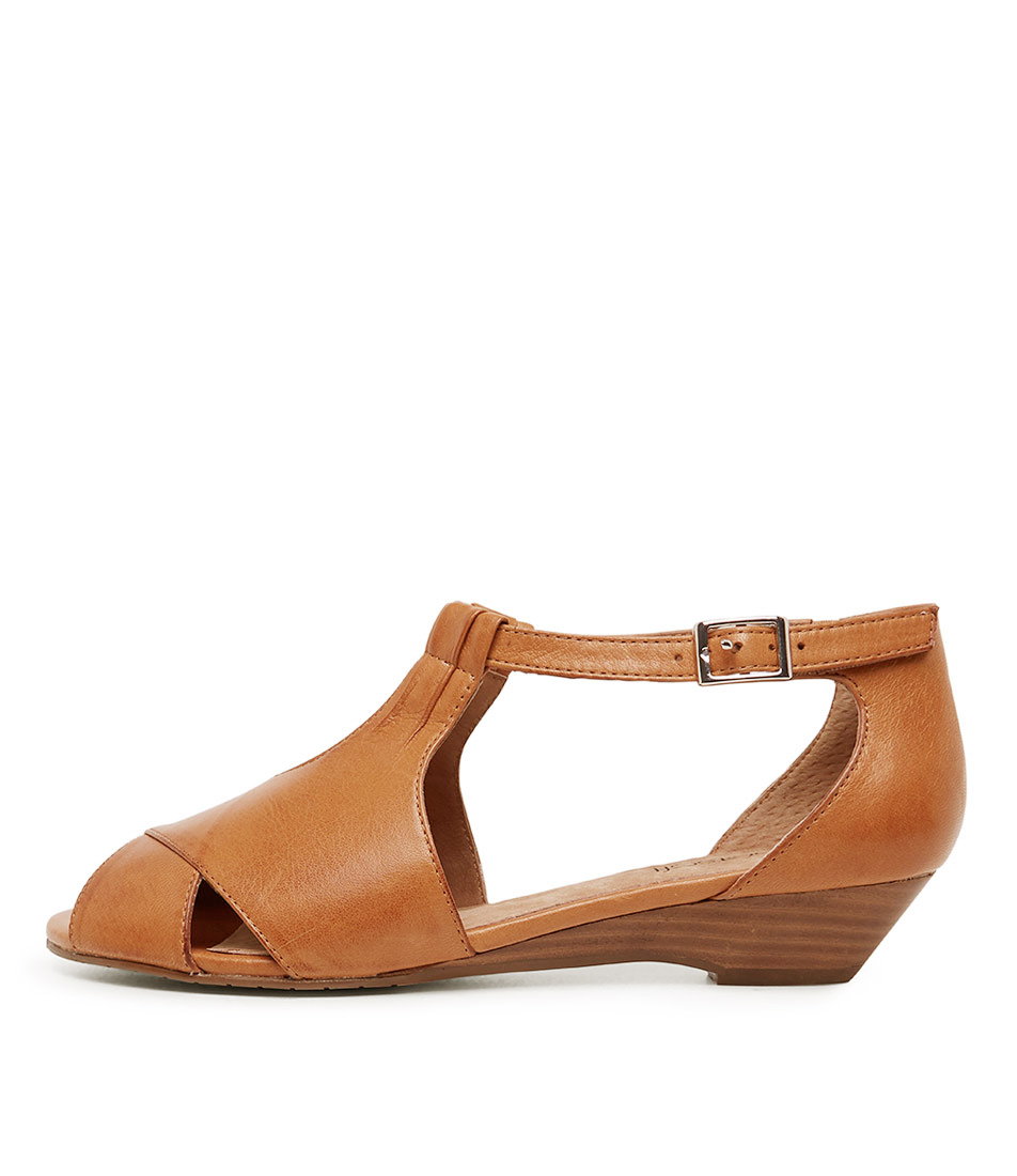 Buy Supersoft Bono2 Tan Heeled Sandals online with free shipping