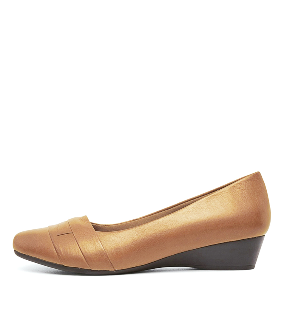 Buy Supersoft Renzo2 Su Tan Flats online with free shipping