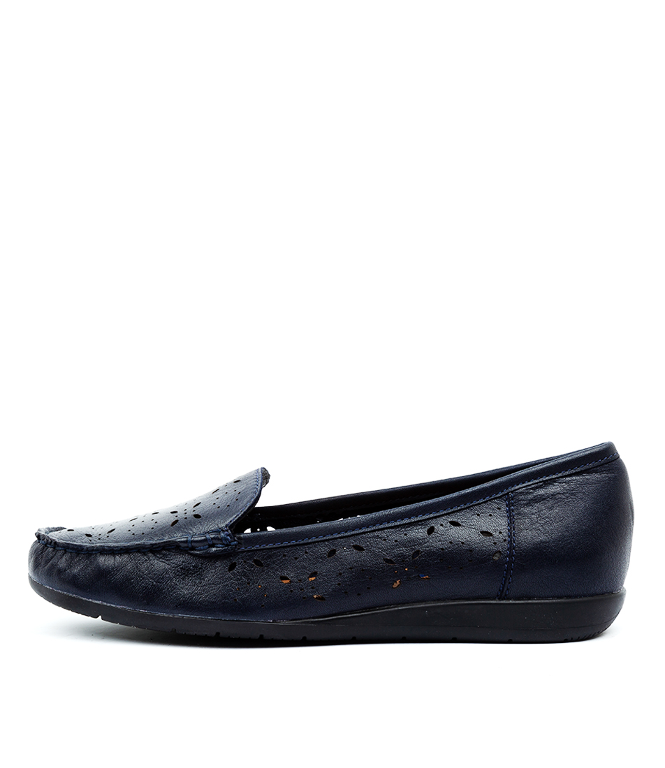 Buy Supersoft Fiennes Su Navy E Flats online with free shipping