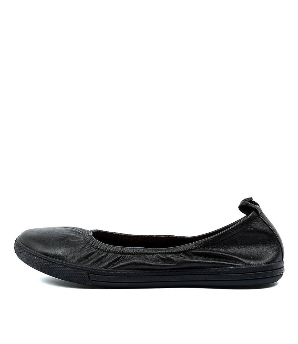 Buy Supersoft Altura Su Black E Flats online with free shipping