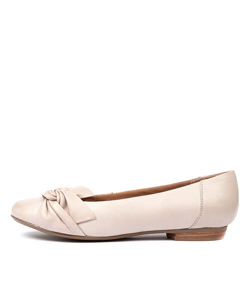 Buy Supersoft Calpella Su Stone E Flats online with free shipping