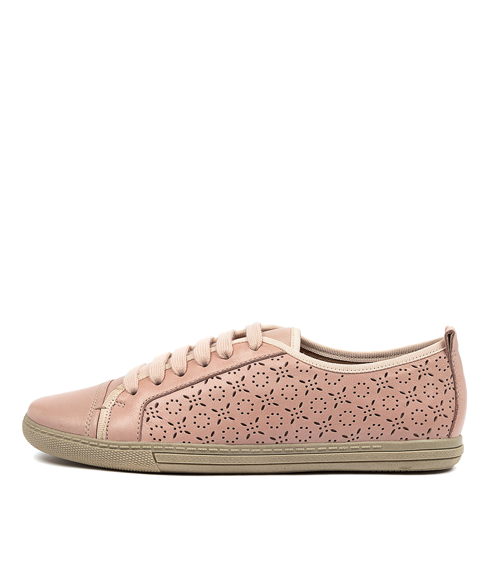 Buy Supersoft Anjelah Su Blush E Flats online with free shipping