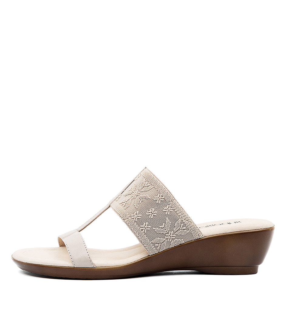 Buy Supersoft Pepples Su Stone E Sandals online with free shipping