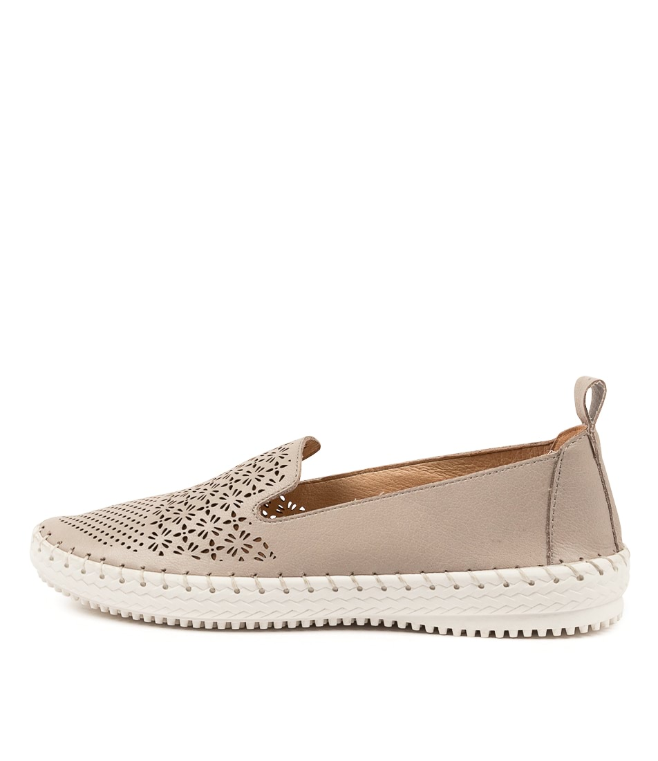 Buy Supersoft Winterberry Su Flats online with free shipping