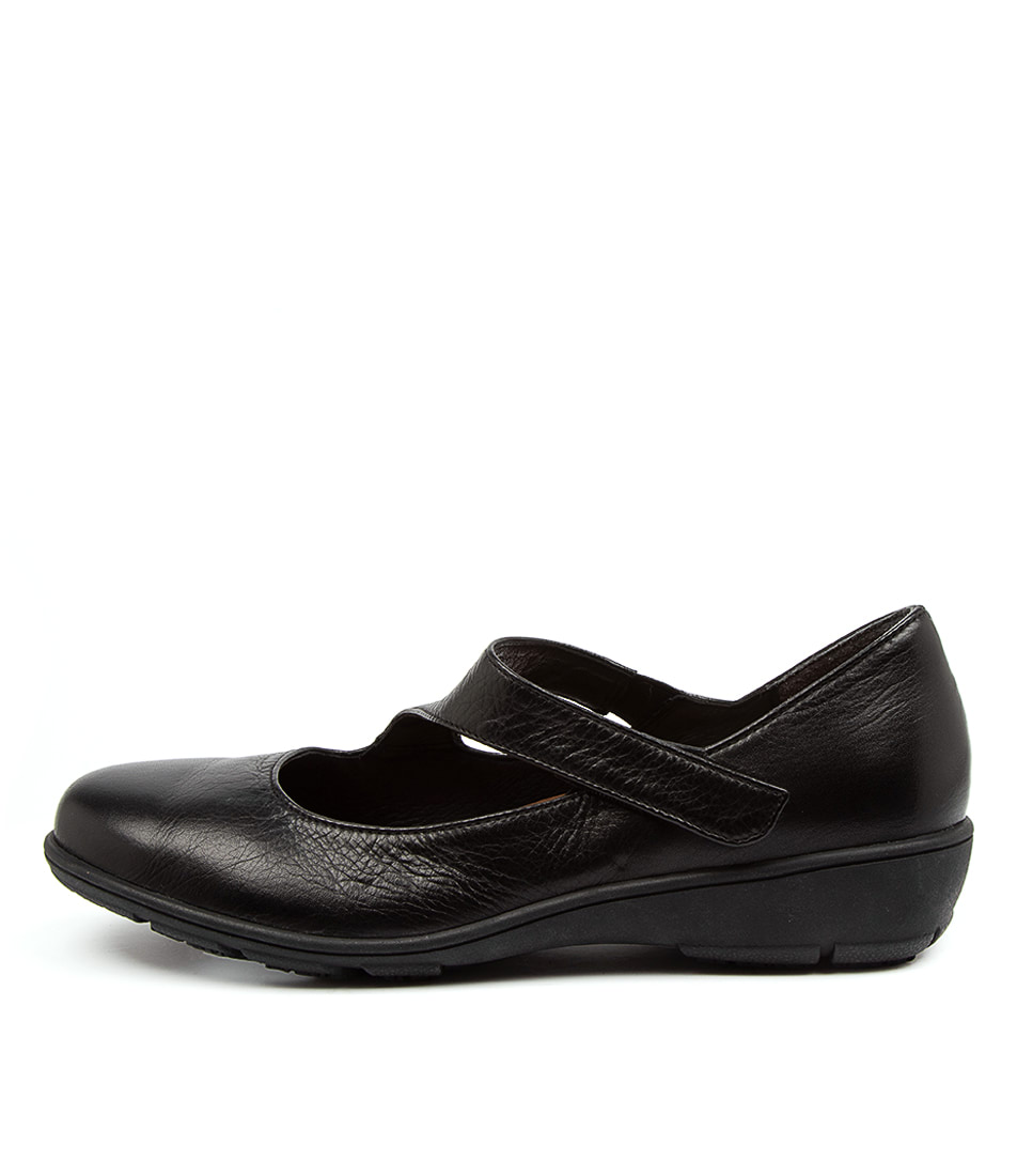 Buy Supersoft Quant Su Black Flats online with free shipping
