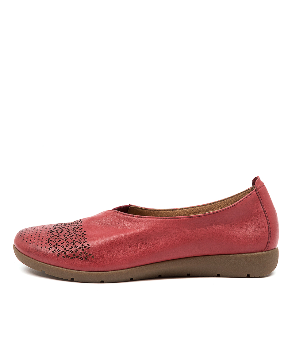 Buy Supersoft Swerve Su Red Flats online with free shipping
