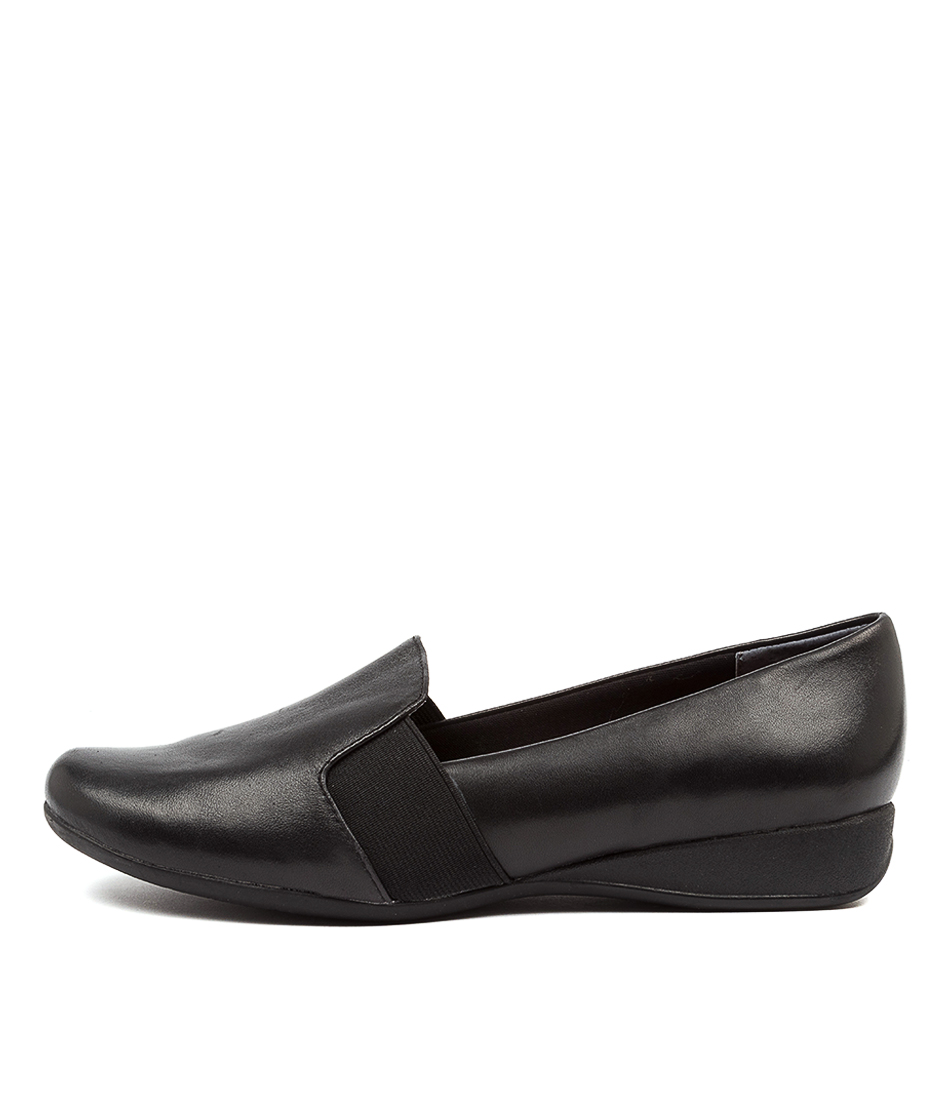 Buy Supersoft Harcourt Su Black Flats online with free shipping