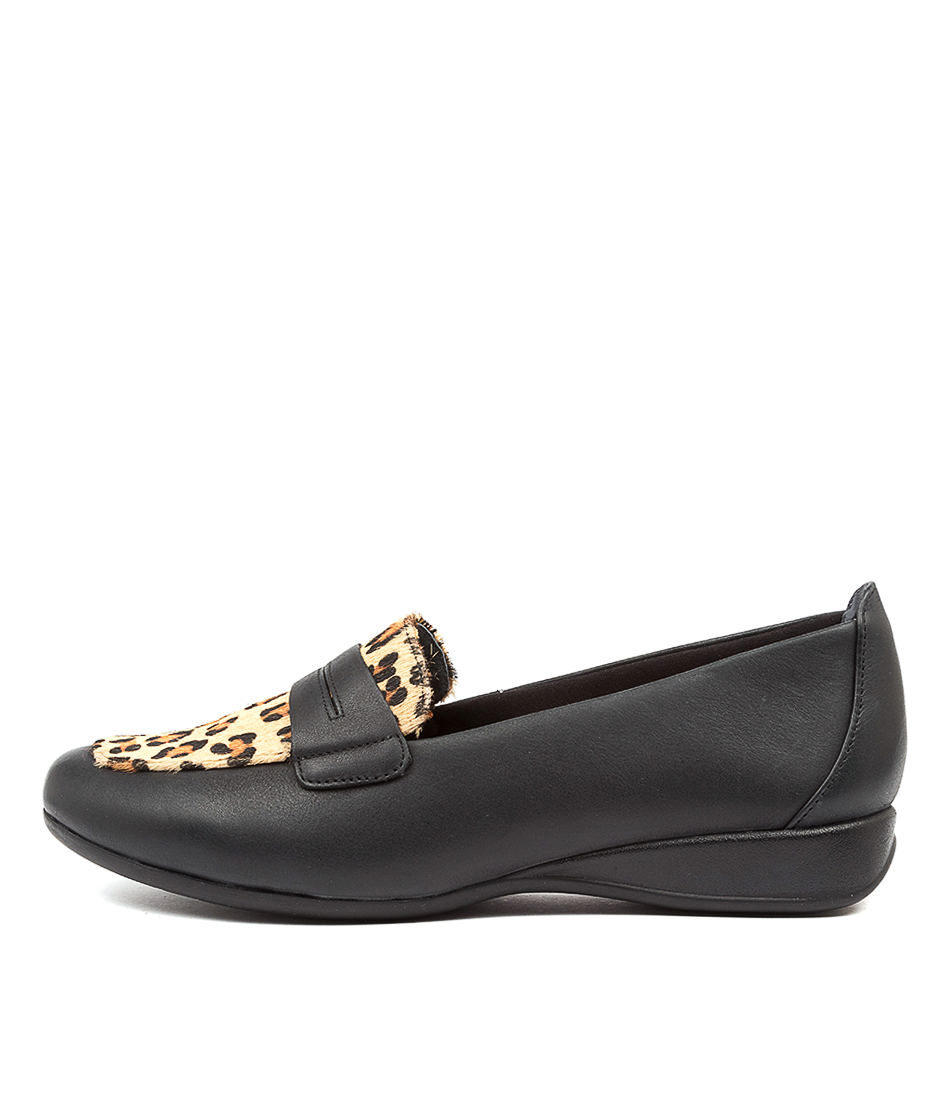 Buy Supersoft Highton Su Black Lt Natural Tan Flats online with free shipping