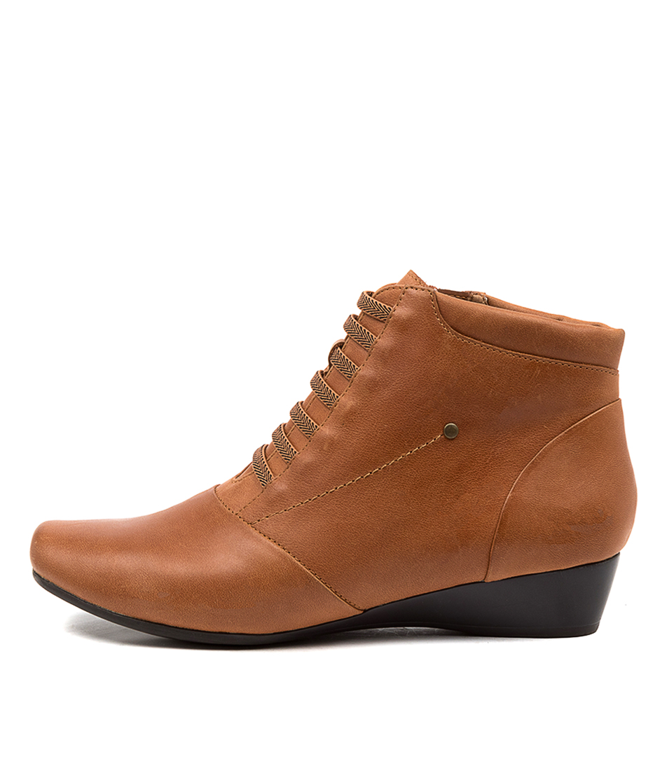 Buy Supersoft Rumble Su Tan Ankle Boots online with free shipping