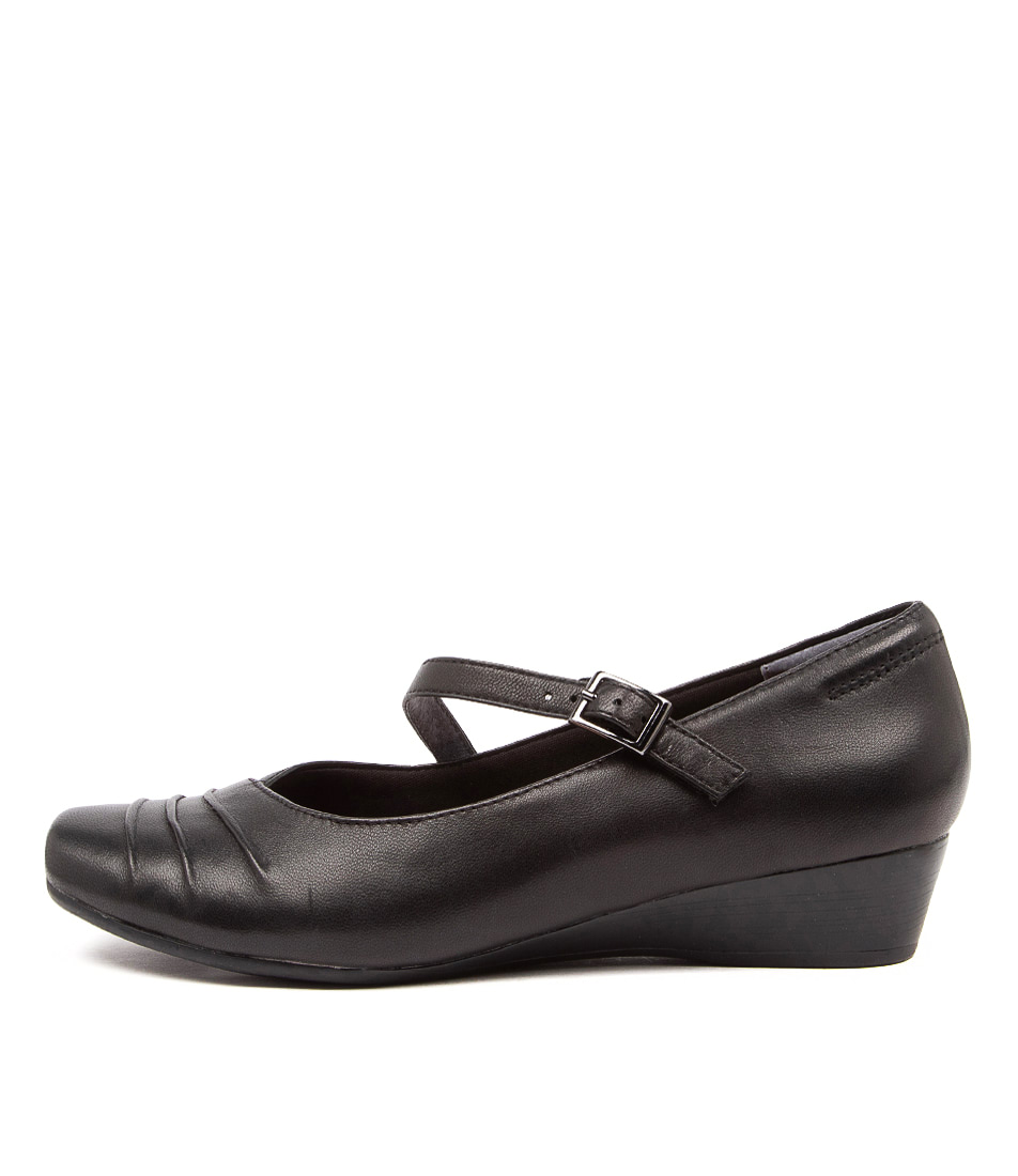 Buy Supersoft Reedy Su Black Flats online with free shipping