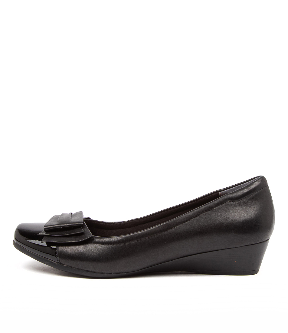 Buy Supersoft Roxxy Su Black Flats online with free shipping
