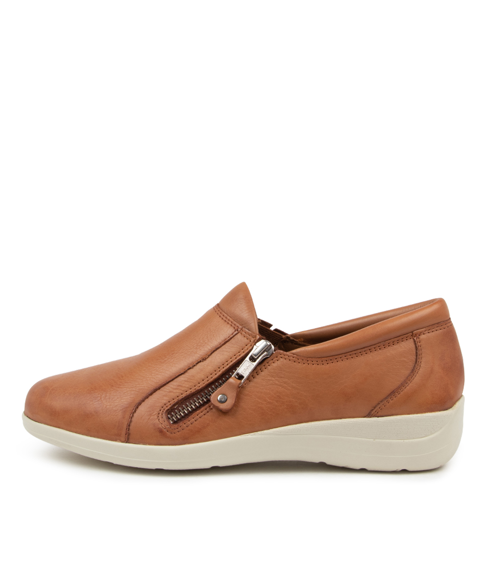 Buy Supersoft Billet Su New Tan Flats online with free shipping