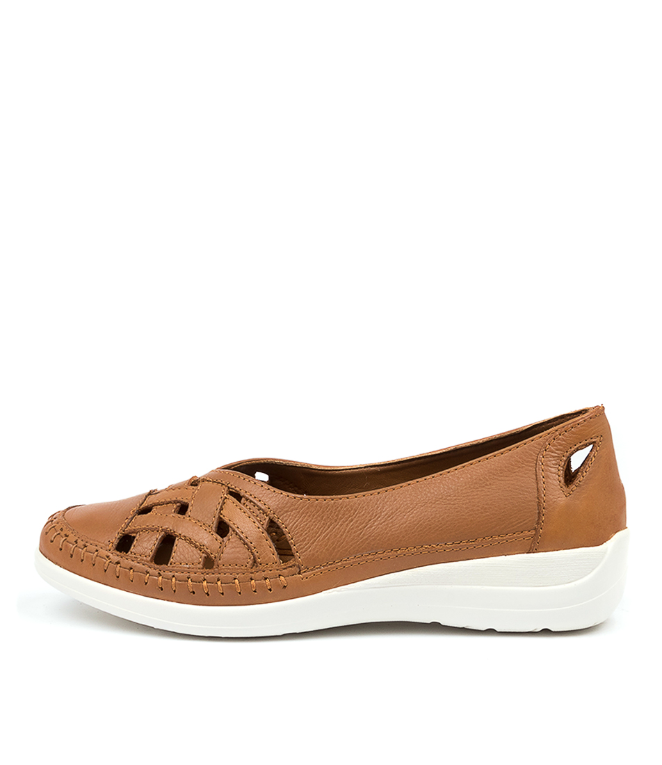 Buy Supersoft Bruin Su Cognac Flats online with free shipping