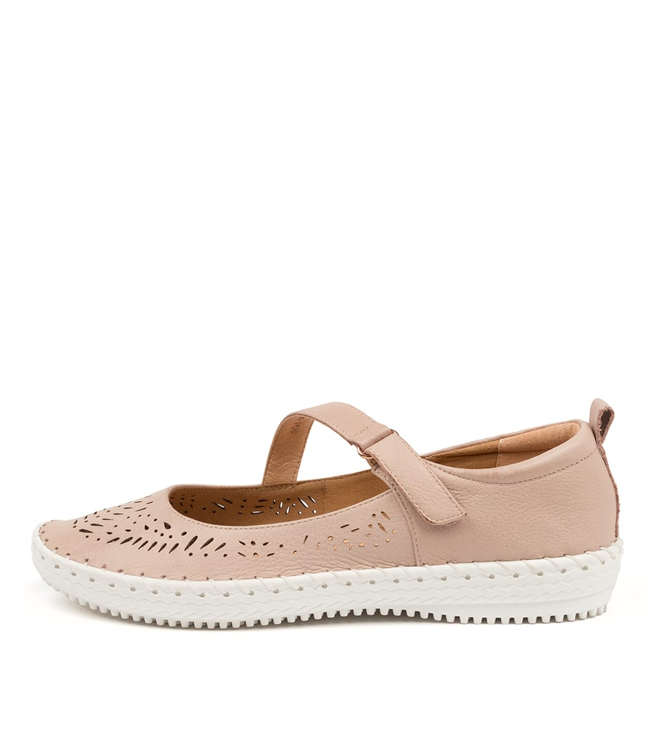 Buy Supersoft Wattle Su Blush Flats online with free shipping