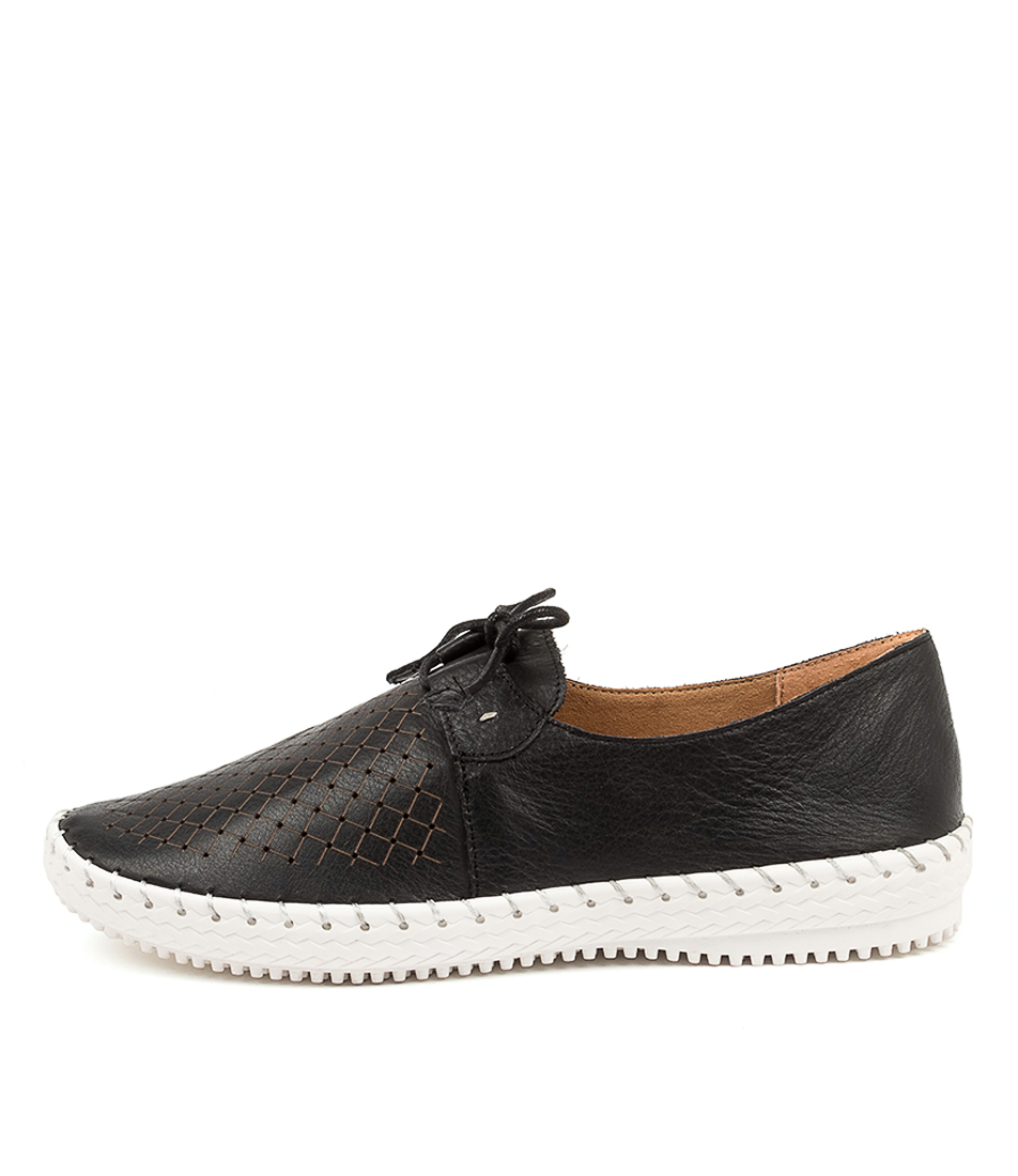 Buy Supersoft Wonder Su Black Flats online with free shipping