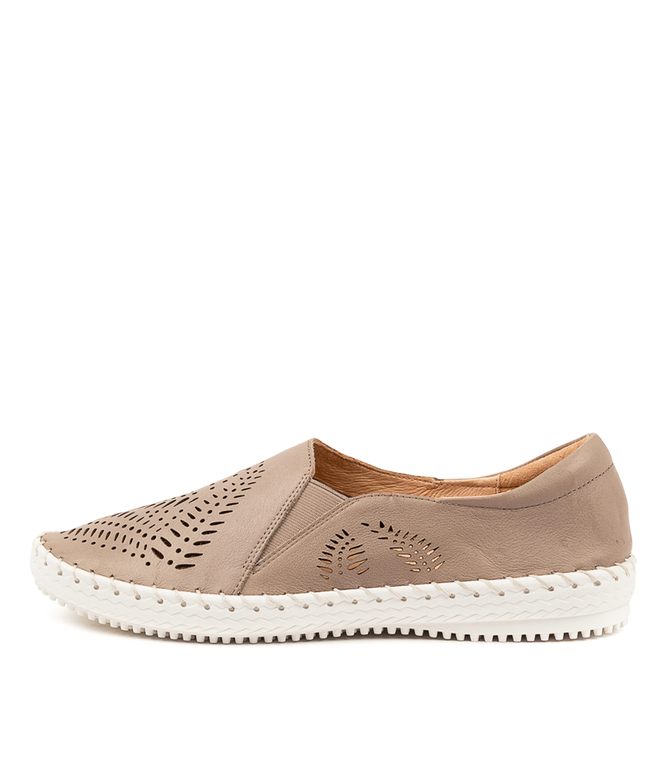 Buy Supersoft Wyomia Su Ash Flats online with free shipping
