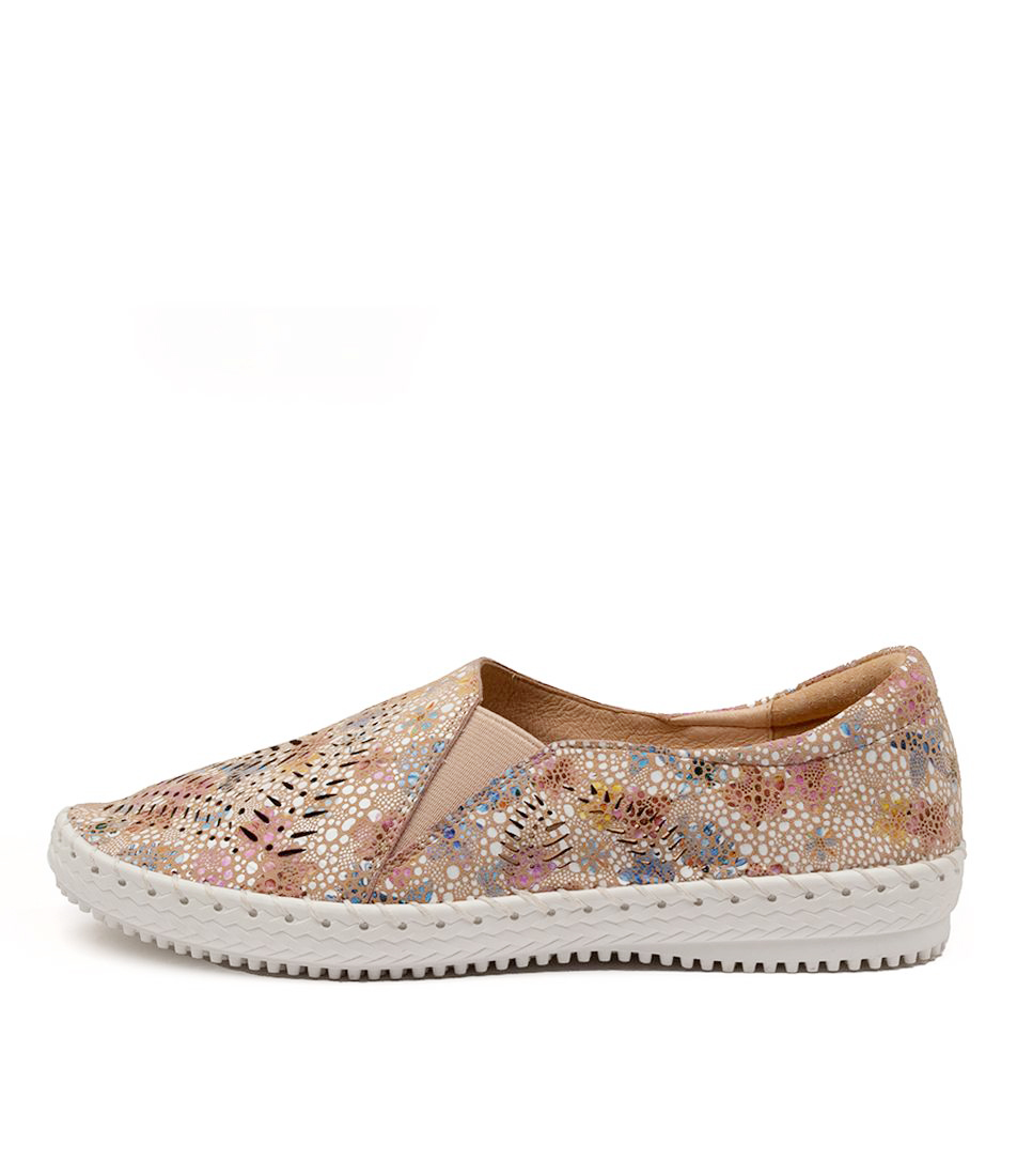 Buy Supersoft Wyomia Su Blush Multi Flats online with free shipping