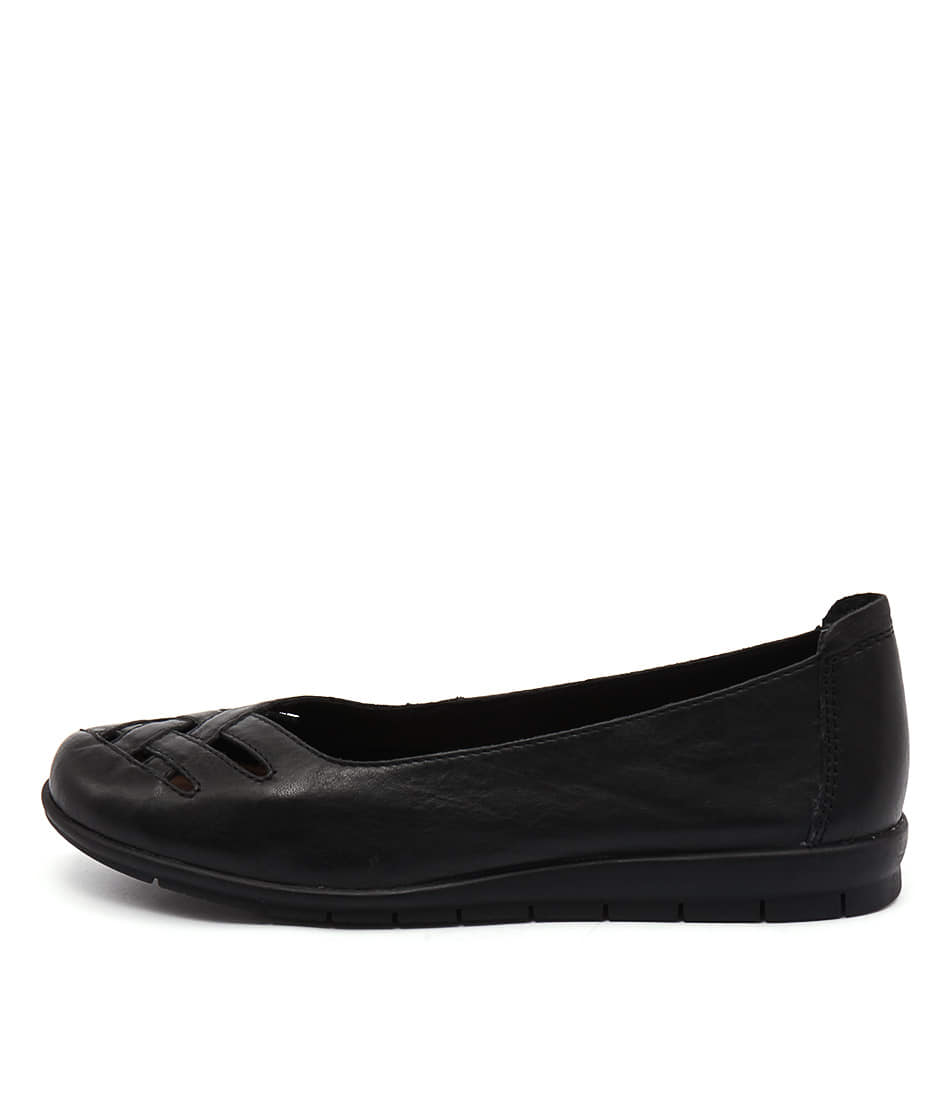 Supersoft Famously Black Flat Shoes