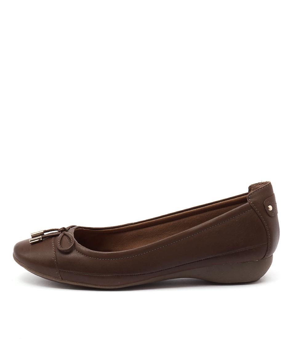 Supersoft Embark Dark Tan Shoes