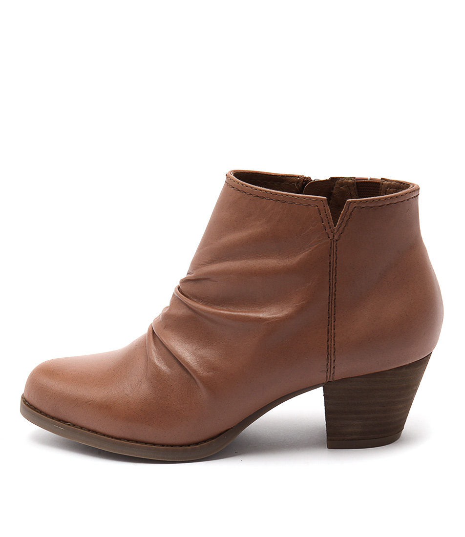 Supersoft Tarryn Tan Ankle Boots