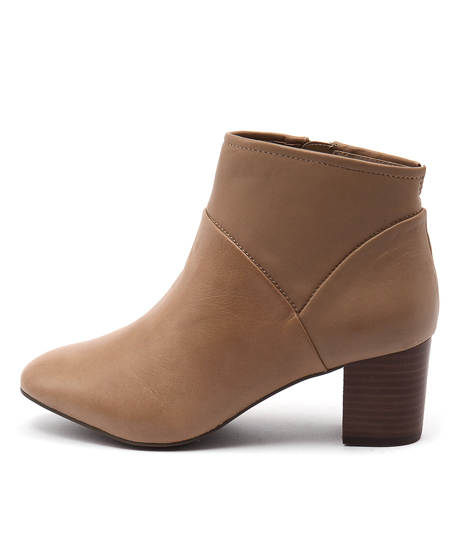 Supersoft Baxter Su Tan Ankle Boots