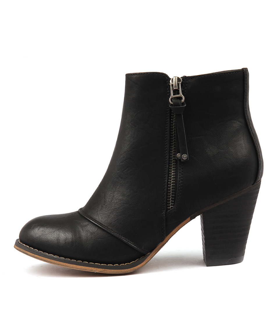 Therapy Fidel Black Ankle Boots